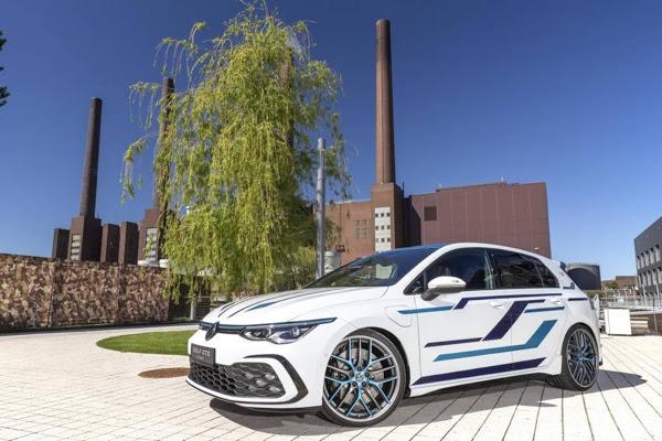VW Golf GTE Skylight: sistema de som com 3,1 KW, rebaixado e personalizado